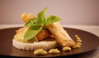Nems de saumon aux saveurs asiatiques, condiment à l'avocat